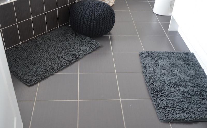 kashmiri foodie clean organized bathroom bath mats