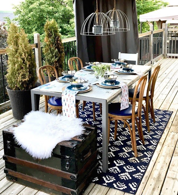 dockside outdoor tablelay