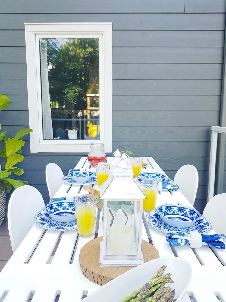 coastal outdoor tablelay