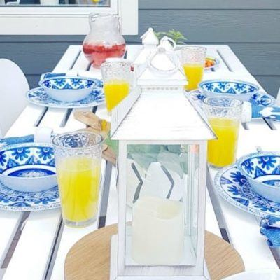 blue-white-outdoor-dining-set