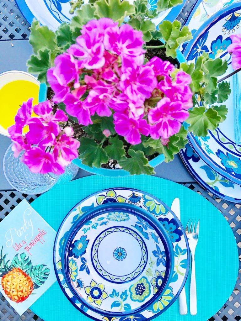 mashkar-madrid-colourful-table