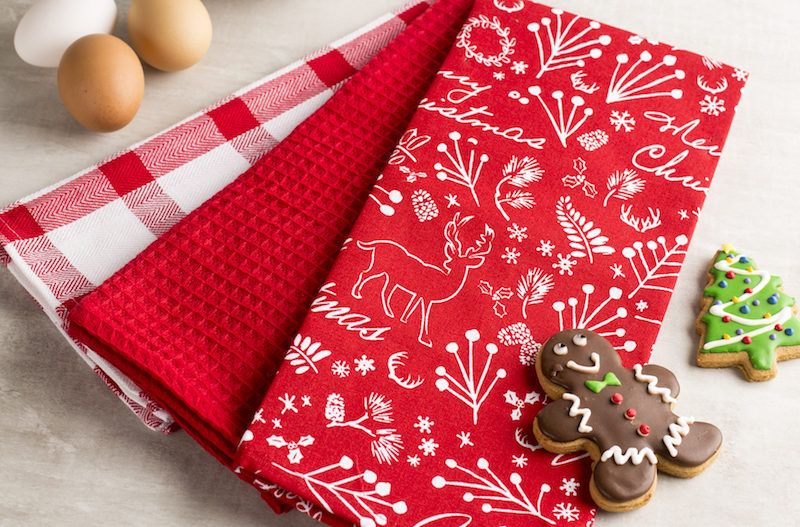 84660-002 holiday tea towels