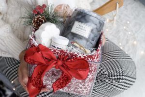 giftbasket gift wrapping
