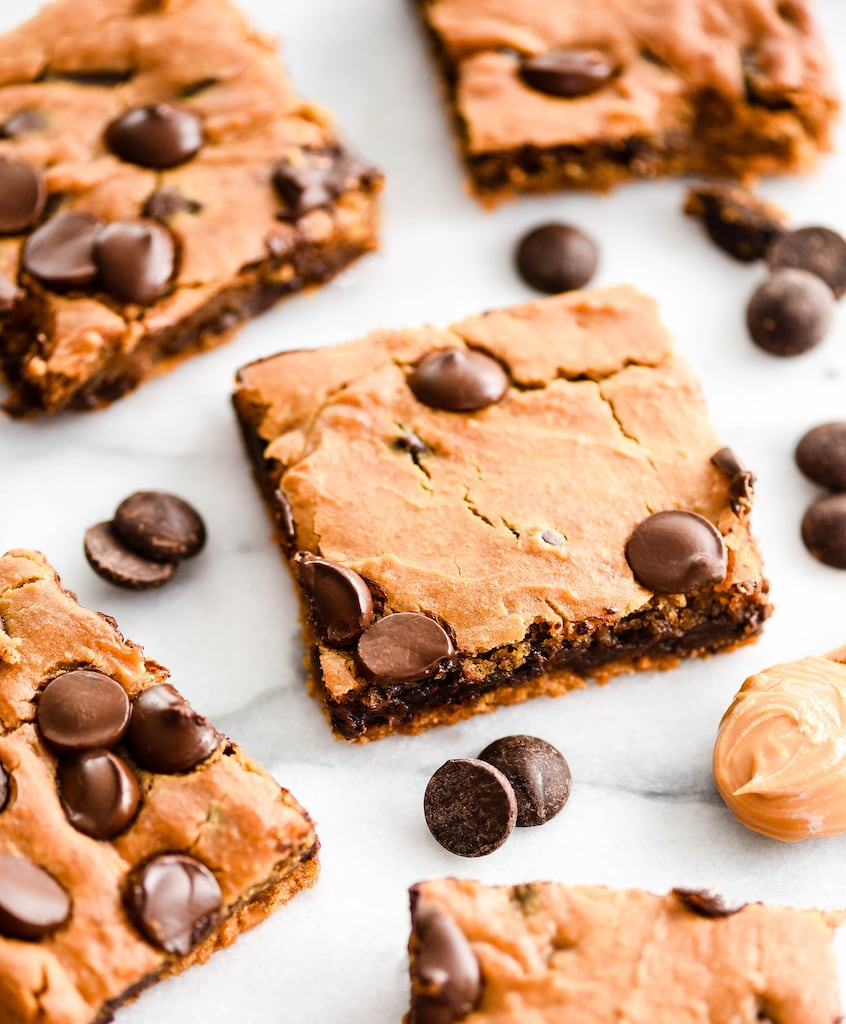 peanut butter and chocolate chip blondie squares