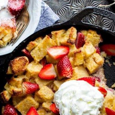 strawberries-and-cream-bread-pudding-in-cast-iron