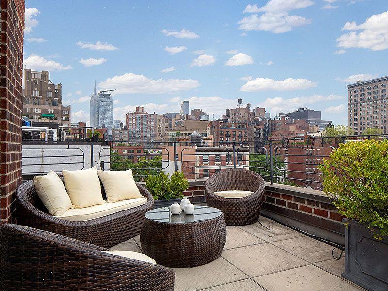 julia roberts' nyc backyard - small patio