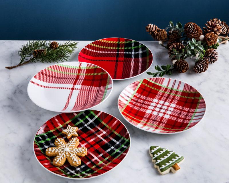 Plaid holiday plate sets