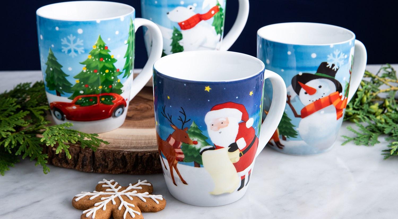 Santa themed mug set