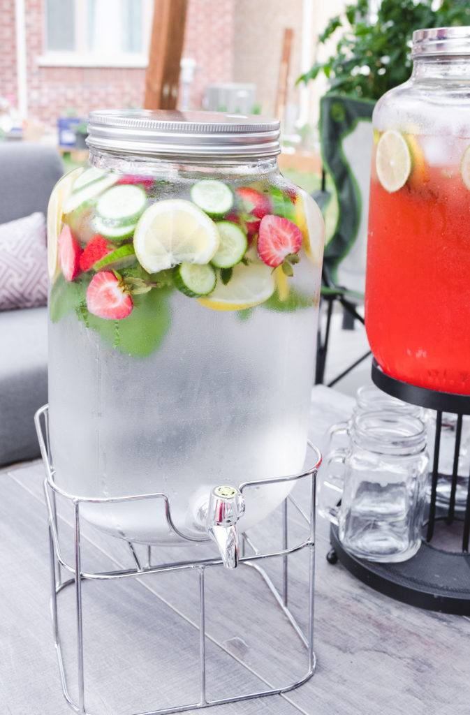Fresh garnish Drink Dispenser